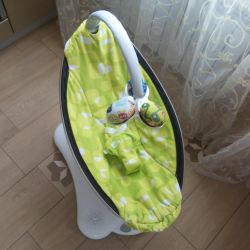 Electronic swing 4moms mamaRoo for rent