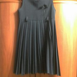 Elbise. Kıza. 140