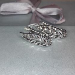 Earrings are made of 925 silver. Weight 2.38 gr