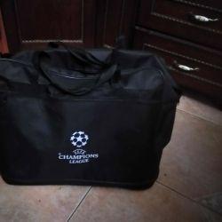 Traveling bag on 5 wheels