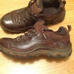 Boots ECCO Gore-Tex p. 37