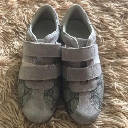 GUCCI sneakers for girl size 28!