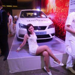 Белое платье стрейч
