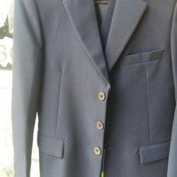 Jachete albastre și veste pentru școală.