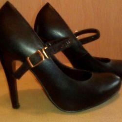 Shoes 34.5