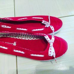 spor ayakkabı kırmızı bayan 24 cm ayak