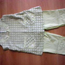 Costum pentru femeile gravide
