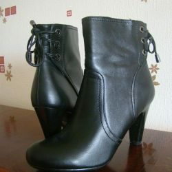 Low boots 👢 new size 38