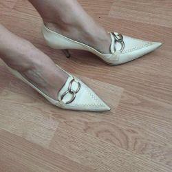 Туфли лодочки белые, бежевые Alla Pugachova