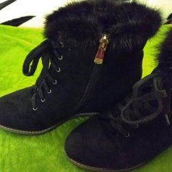 Ботинки сникерсы зимние 40 разм