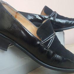 Women's shoes, p.40