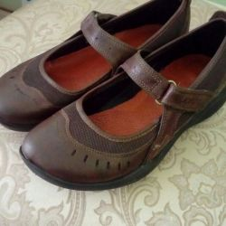 KLARKS shoes.
