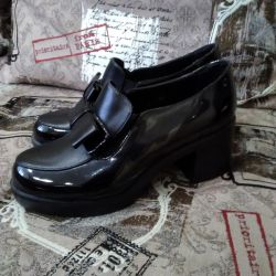 Μπότες αστραγάλου (πολλά πράγματα και παπούτσια)