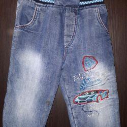 Τα παντελόνια Denim θερμάνθηκαν