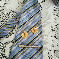 Cufflinks. Tie clip.