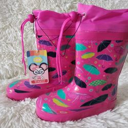 New rubber boots for a girl size 33