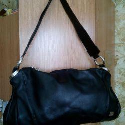 γυναικεία τσάντα, φυσικό δέρμα, μαύρο χρώμα.