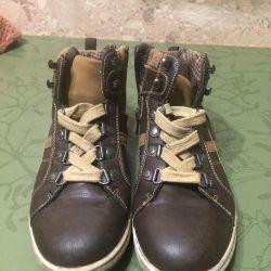 Кроссовки, почти новые, размер 36