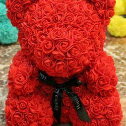 Kırmızı gül ayı