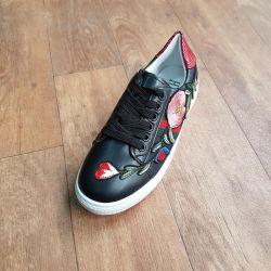 Γυναικεία παπούτσια ?????