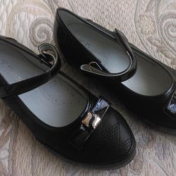 Children's shoes, new, size 34
