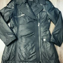 Women's coat on a synthetic winterizer