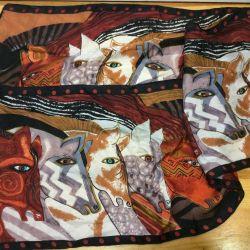 Качественный шелковый шарфик с лошадками, арт 012