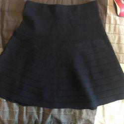 New skirt m