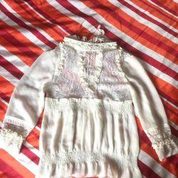 Lace blouse motive