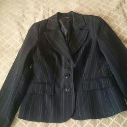New suit deuce