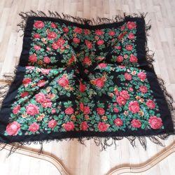 Pavloposadsky scarf