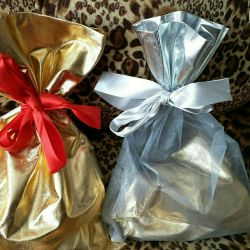 Gift wrapping reusable.