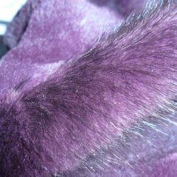 Kürk manto ile bir başlık 46 boyutu yeni leylak