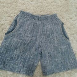 Shorts for a boy (3-4 years)