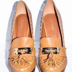 Υψηλά παπούτσια τακουνιών (νέα)