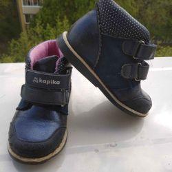 Взуття для дівчинки 24 розмір.