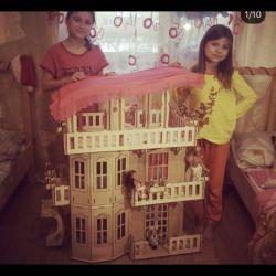 Casa imensa pentru barbie