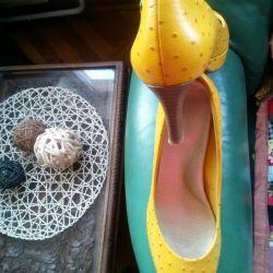 Продам отличные туфли натур.кожа р.38-38,5