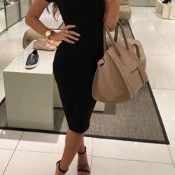 Μαύρο γυναικείο φόρεμα