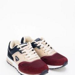 Γυναικεία παπούτσια Strobbs