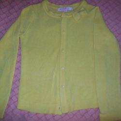 Jacket galben pentru o fată de 5-6 ani