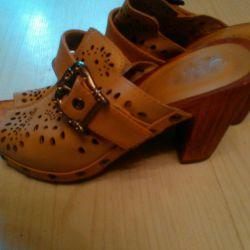 Güzel sandaletler