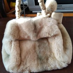 Стильная сумка из нат.меха