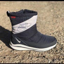 Μπλε μποτάκια Nike