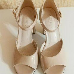 New Sandals 38