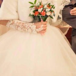Платье свадебное шубка,перчатки,кольца для платья