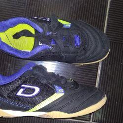 pantofi în stare bună la 31 de ani