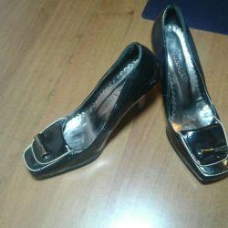 Туфли 37размер новые