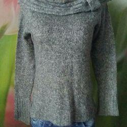 Warm beautiful sweater