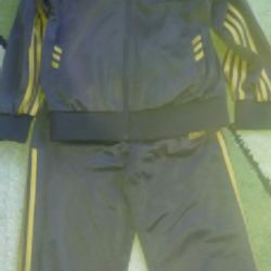 Tracksuit 6-8 years